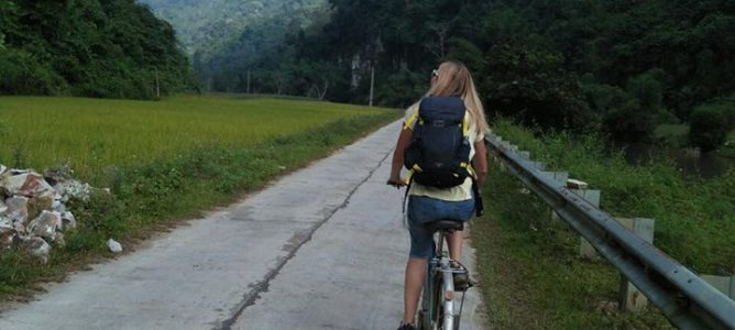 Hua Ma cave biking - Morning tour