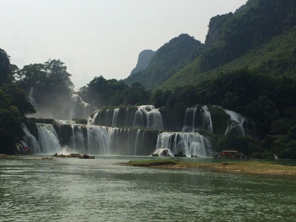 Ba Be Lake Ban Gioc Waterfall 3 Days 2 Nights Ba Be Lake View