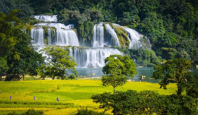 Two Vietnam waterfalls among world's most beautiful